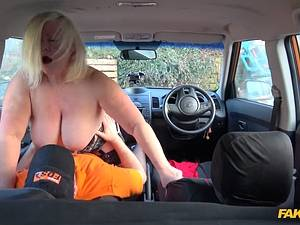 My 50 year old mom Lacey Starr gets her fat pussy fucked in the car