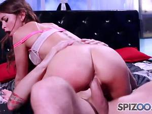 Rambunctious Riley Reid always down for a good fucking