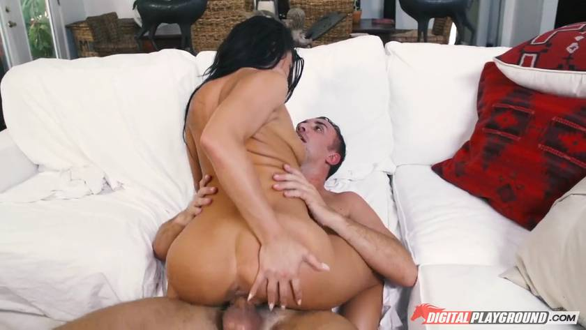 Cheating Wife Takes Condom Off